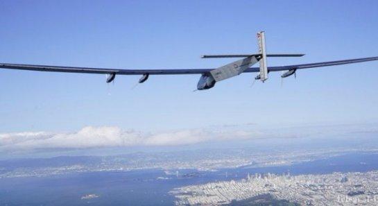 Самолет на солнечных батареях совершил удачный полет над Тихим океаном