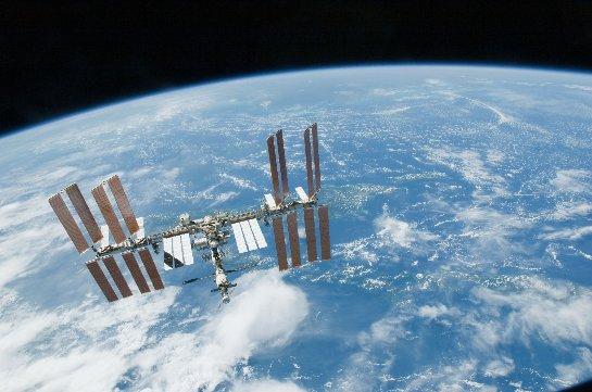 Выход британского астронавта в космос прервался из-за утечки жидкости