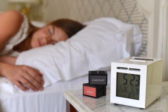 На выставке CES 2016 представлен будильник, который будит человека запахами